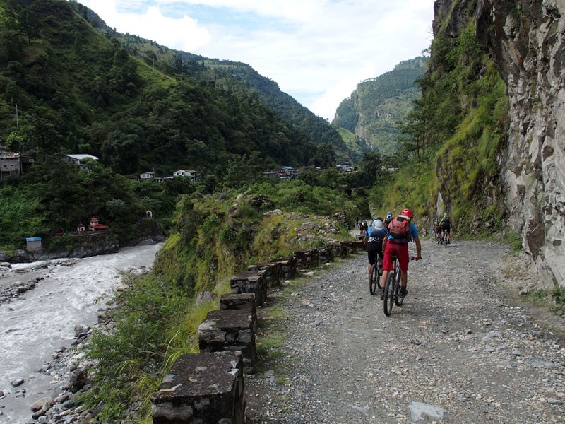 Annapurna Circuit with Tilicho Lake Mountain Biking